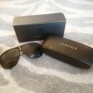 Versace Aviator Sunglasses VE 4165 Black with Box